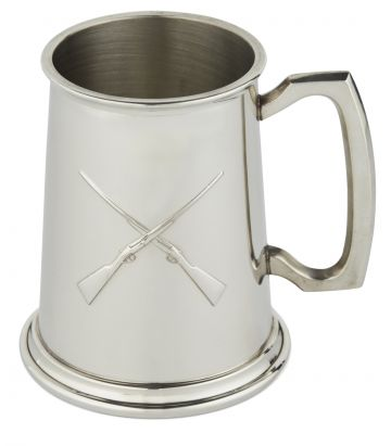 PEWTER TANKARD WITH CROSSED GUNS